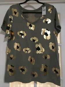 Lane Bryant Women's Size 14/16 Gray Short Sleeve Top Metallic Gold Print NEW