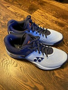 Women's 9.5 Yonex Tennis Court Shoes