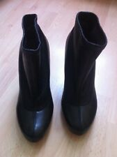 Chloe black leather ancle boots size 37.5, uk 4.5 in excellent condition