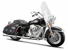Harley Davidson Modell, 2013 FLHRC Road King Classic, Maisto Motorrad 1:12