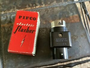 VINTAGE PIFCO CHRISTMAS TREE LIGHTS ELECTRIC FLASHER BOXED RARE 50s BAKELITE