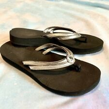 Women's Reef Cushion Size 10 Silver Shiny Sandal Flip Flops NEW without tags