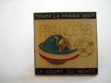 PINS FOOTBALL FRANCE 98 COUPE DU MONDE FOOT
