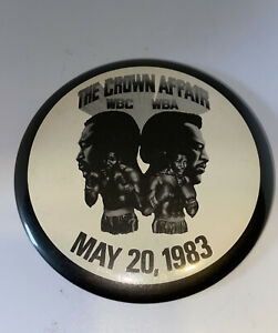 The Crown Affair WBC WBA  Larry Holmes Tim Witherspoon Boxing Pinback Button