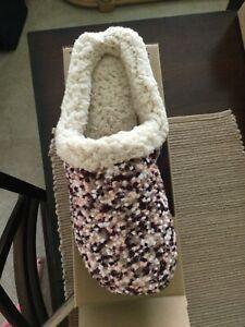 DEARFOAMS Maroon & Pink  MEMORY FOAM Slippers SIZE XL (11/12) BRAND NEW