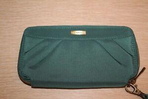 TRAVELON RFID Blocking Signature Pleated Zip Clutch Wallet Green