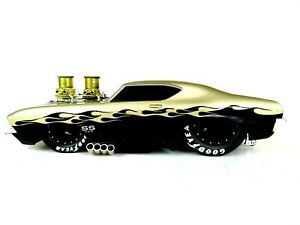 """1/18 MUSCLE MACHINES """"ONE OFF"""" """" 1969 CHEVY CHEVELLE  CUSTOM PRO-MOD."""