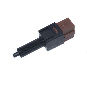 25300-AT300 Cruise Control Clutch Switch For Nissan 350Z G35 Q45 Pathfinder