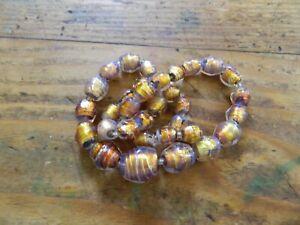 Joli collier ancien en verre Murano