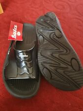 Bata Slip On Mens Sliders/ Slippers size 6