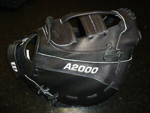 "WILSON A2000 FASTPITCH WTA20LF15B14SS FIRST BASE (1B) MITT 12.25"" - LH $259.99"