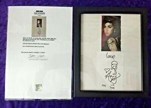 Amy Winehouse rare hand written embellished signature - London Heathrow 2009