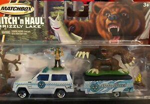 Matchbox Hitch 'n Haul ~ Grizzly Lake (Cars With Accessory's) 2005 Playset ~ NEW