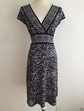 BCBG MAXAZRIA Petites V-Neck Dress Black w/Gray, Off-White & Taupe Size MP