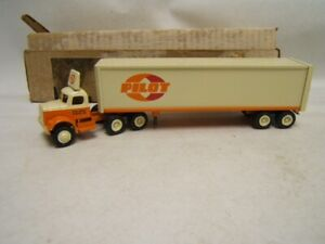 Winross Pilot Freight Carriers Carlisle PA Tractor Trailer 1/64 1982