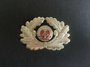 EAST GERMAN. COLD WAR ERA. NVA UNIFORM CAP BADGE-:- IN NICE ORIGINAL CONDITION.