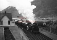 PHOTO  BR LOCO 80061 AT CALLENDER ON 30TH MARCH 1964 (4)
