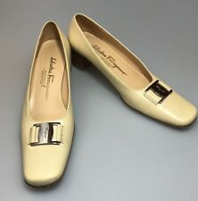 Salvatore Ferragamo Boutique Block Heel Pumps Sz 7.5 AAA Beige Career Shoe
