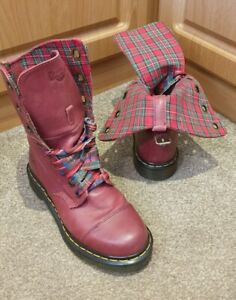 STUNNING Dr Martens Triumph Aimilie Red Tartan Fold Down Leather Boots Size UK 5