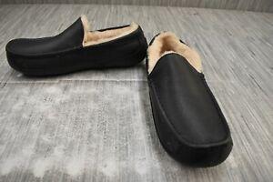 UGG Ascot 5379B Slipper - Men's Size 10, Black