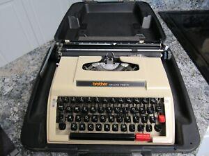 Brother DELUXE 762TR Typewriter Nagoya Japan with Case Vintage