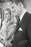 ELIZABETH MONTGOMERY DICK YORK ON THE SET BEWITCHED 1967 ABC TV PHOTO NEGATIVE