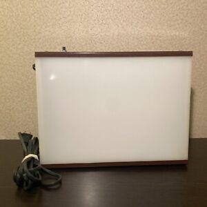 Logan Desk Top Light Box 810/920 Florescent 9.5x 12.5 Tracing Artwork Viewing