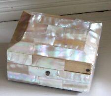 BOITE A BIJOUX MARQUETERIE DE NACRE & SOIE XIX ème mother of pearl jewelry box