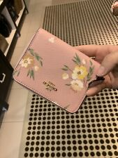 NWT COACH F73017 SMALL ZIP AROUND WALLET WITH TOSSED DAISY PRINT