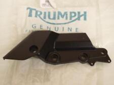 Platine de repose pied pilote droit Triumph 1000 Daytona 2080068 Neuf