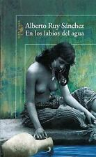 En los labios del agua (In the Lips of Water) (Spanish Edition)-ExLibrary