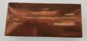 HOURGLASS  - Illusion - Sand- 30ml/ 90eur
