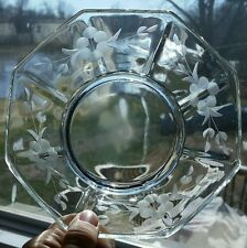 """Vintage 6.5"""" scalloped / fan edge, beautiful floral etched glass serving bowl"""
