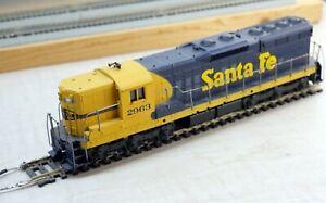 Athearn #3801 HO Scale Santa Fe Powered SD-9 Diesel #2963