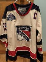 Wayne Gretzky New York RangersNHL Winter Classic 2012 JERSEY 50 CCM