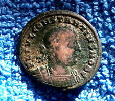 Pièces de monnaie antiques romaines romains en bronze