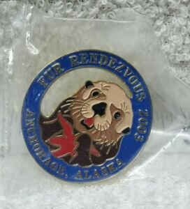 SN932 2003 Fur Rendezvous Pin Rondy Anchorage Alaska Otter Star Fish NEW