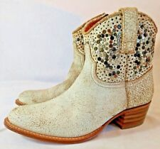 FRYE Boots DEBORAH Distressed Studded White Ankle Boots Sz 8