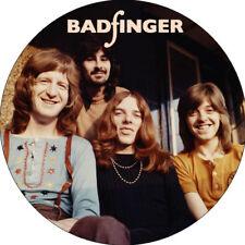 CHAPA/BADGE BADFINGER . pin button pete ham the beatles raspberries blue ash