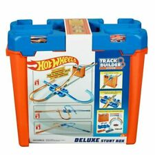 Hot Wheels GGP93 Deluxe Stunt Box Giftable Set 15 Feet 36 Pieces Gift Toy