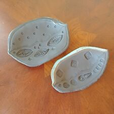 2 Alicia Ann 'LES' Griggs Handmade Carved Design Studio Pottery Plates / Dishes