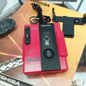 TOSHIBA RT-V600 STEREO CASSETTE RED PLAYER AM/FM WEATHER RESISTANT