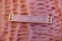 One  Authentic Chanel Button  1 pieces gold 💋💋💋💋emblem 1,5  inch  pink