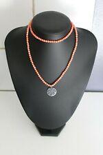 collier en perles en corail? est pendentif argent RITA & ZIA