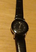 Vintage Diamond ladies wrist watch, new leather band running new battery NR F