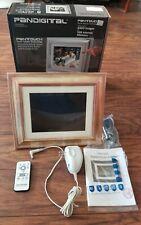 "PanDigital 8"" LCD Digital Photo Frame 800x600 PanTouch Sensor Tech, 1GB Memory"