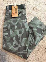 NWT Men's Khaki URBAN PIPELINE CAMOUFLAGE Cargo Pants Size 30x30- MSRP $52.00!!