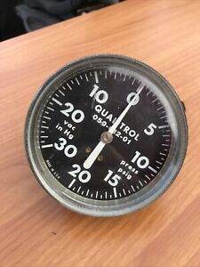 """Qualitrol 050-012-01 4"""" Face 30 In Hg 20psi Compound  Pressure Gauge - Untested"""
