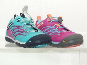 KEEN Chandler CNX Mädchen Wandersneaker, Schnellschnürung, schnelltrocknend