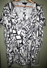 As New Wayne by Wayne Cooper L Black White Geometric V Neck Stretch Dressy Top